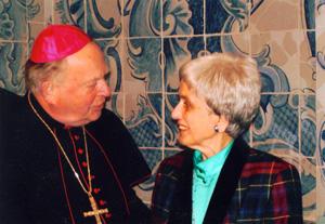 Elisabeth Fricke bei der Überreichung der Paulusplakette